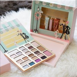 """Too Faced's """"Christmas in New York"""